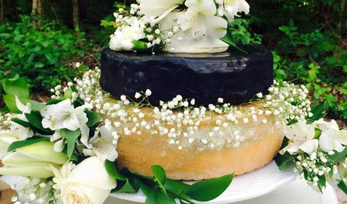 CHEESE-WHEEL WEDDING CAKE