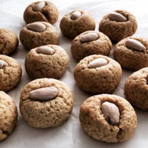 vanilla almond cookies