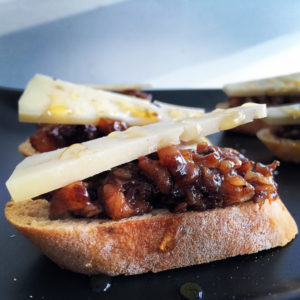 fig and walnut crostini