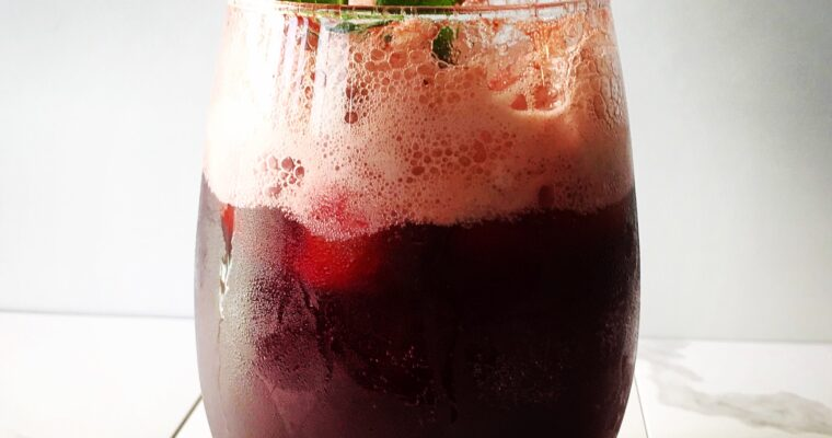 RASPBERRY MINT MOSCATO COCKTAIL