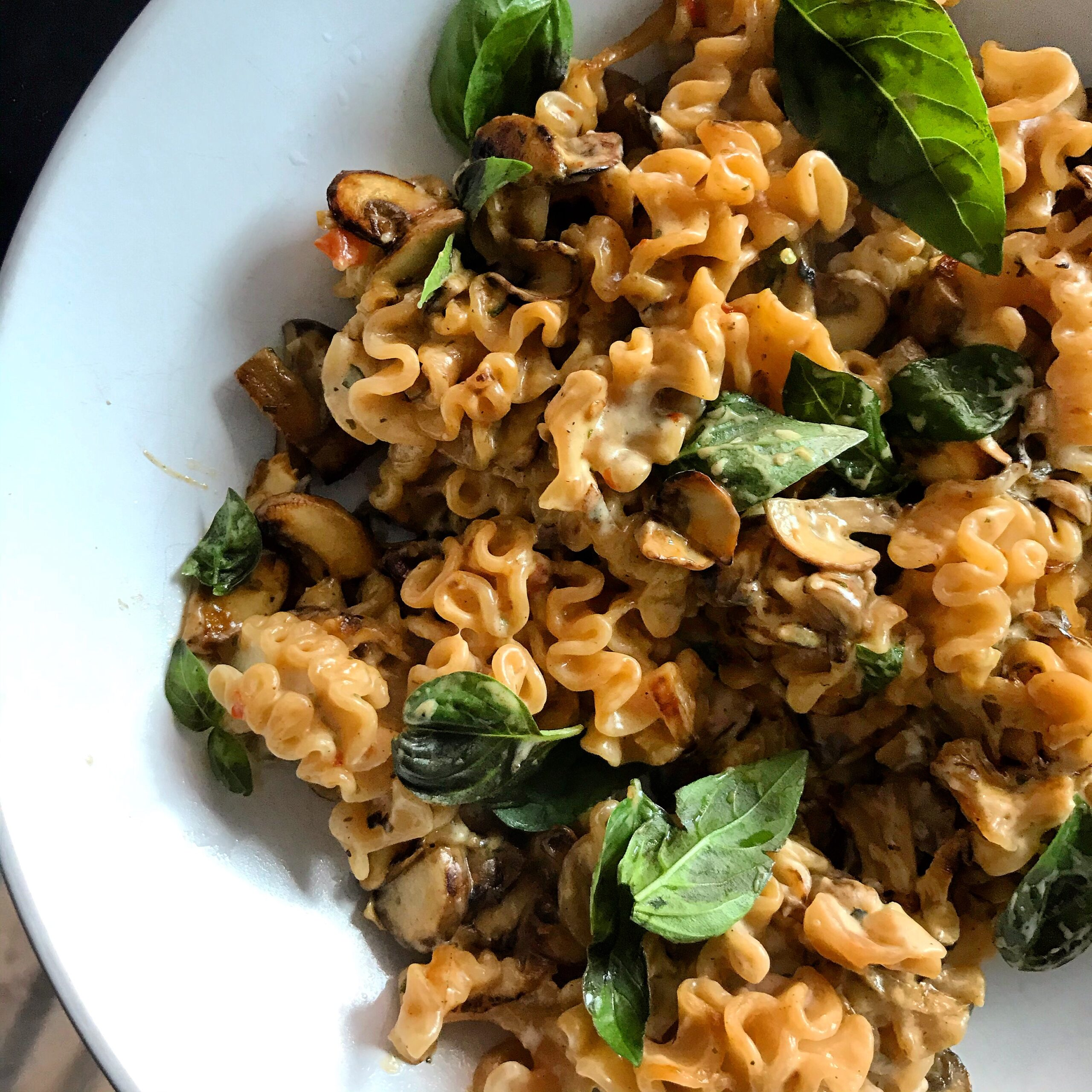 CREAMY RED LENTIL PASTA WITH MUSHROOMS & BASIL